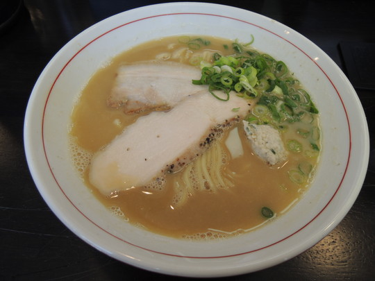 鶏白湯(800円)