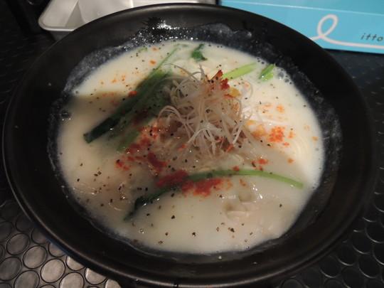 鶏塩クリーミー旨味ラーメン(680円)