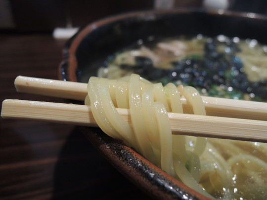 目茶旨らーめんの麺