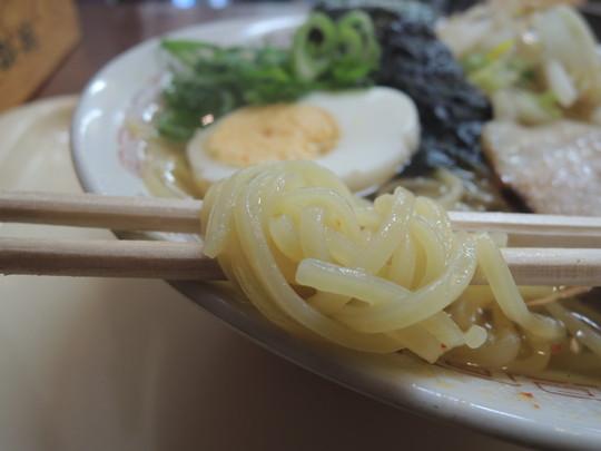 和風ラーメン(並)の麺