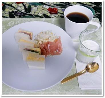 横浜で朝食