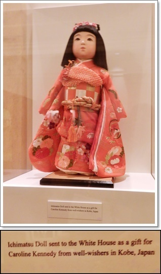 JPから贈られた人形