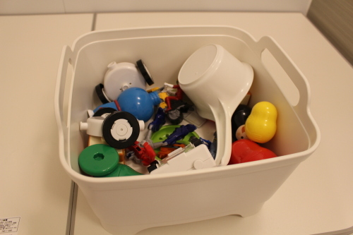 おもちゃ桶