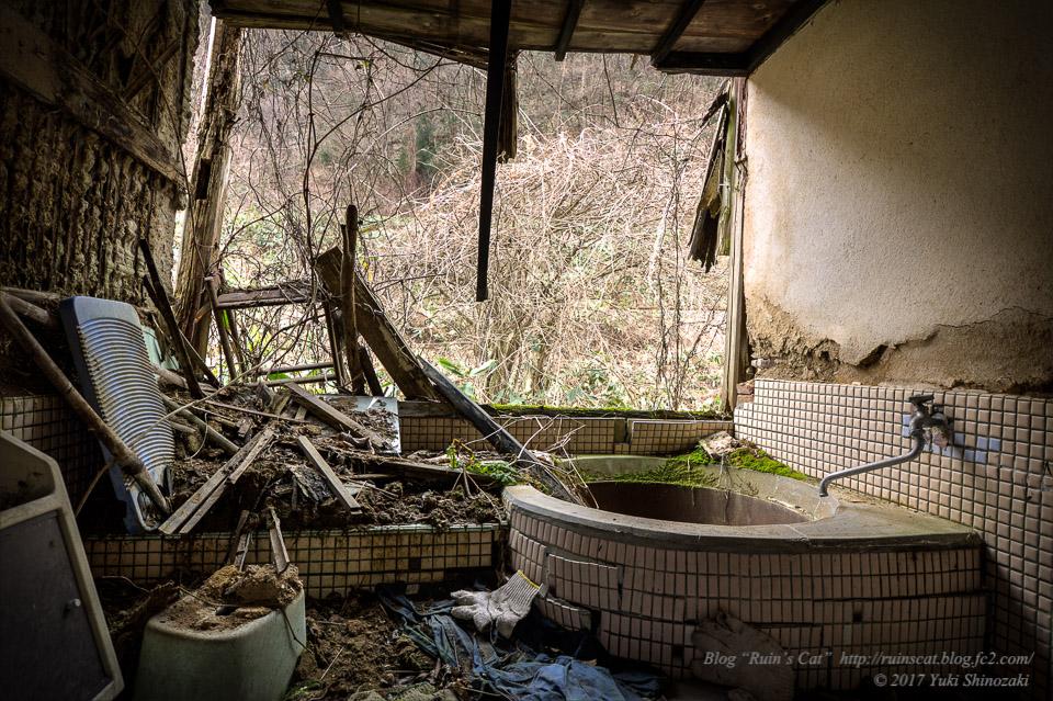 【廃墟】旧藤川邸_離れの風呂