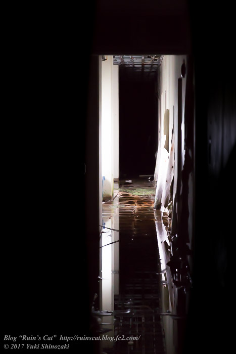 【廃墟】スパガーデン 湯~とぴあ(スパリゾート大鰐)_暗闇の廊下