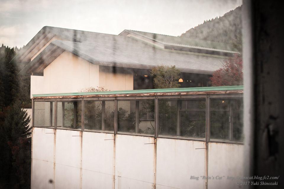 【廃墟】スパガーデン 湯~とぴあ(スパリゾート大鰐)_向かいの現役ホテル