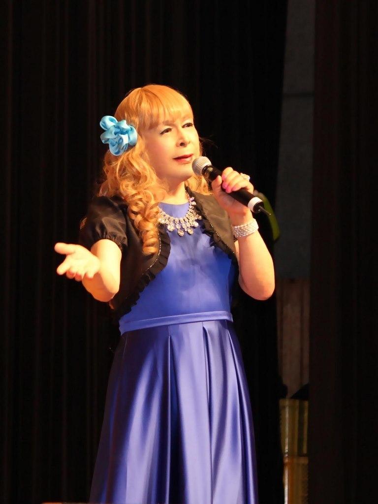 青紫ロングドレス舞台(4)
