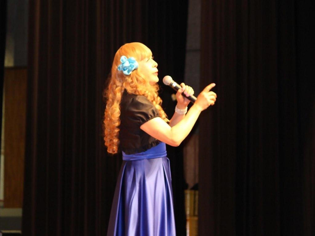 青紫ロングドレス舞台(7)
