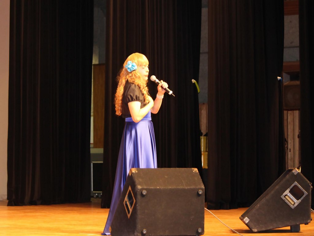 青紫ロングドレス舞台(5)