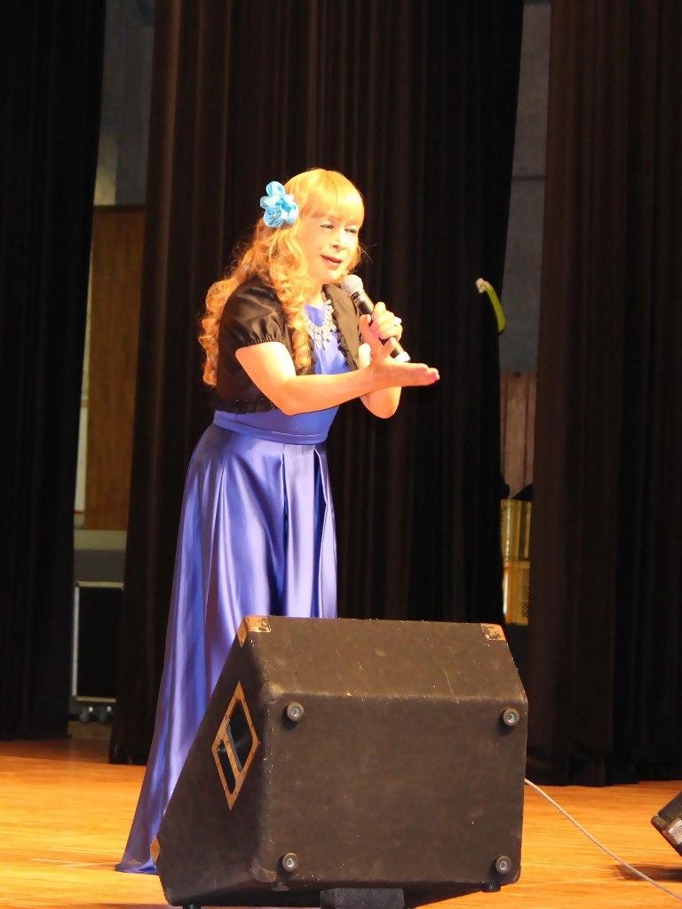 青紫ロングドレス舞台(2)