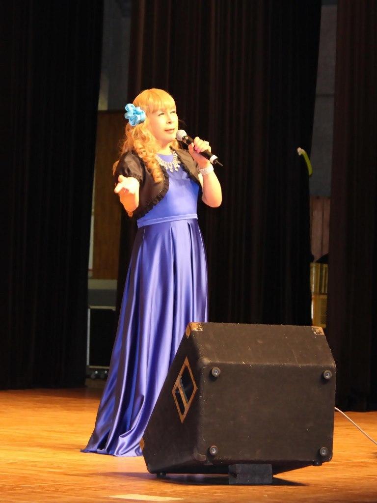 青紫ロングドレス舞台(3)