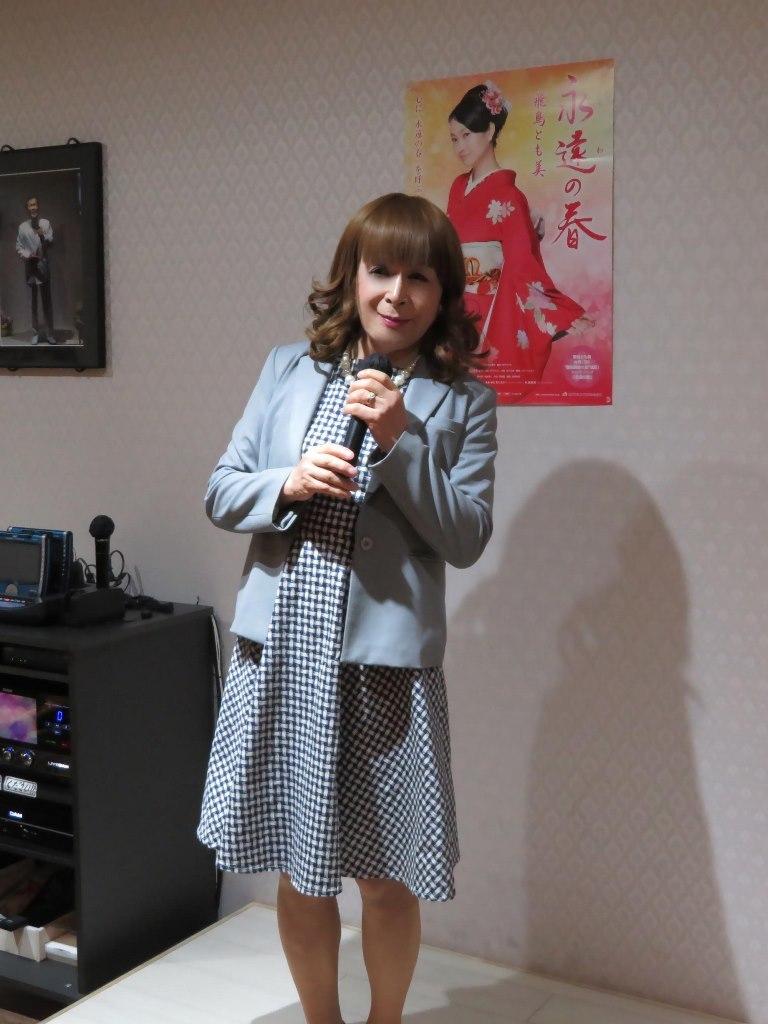 グレージャケットグレーワンピカラオケ(1)