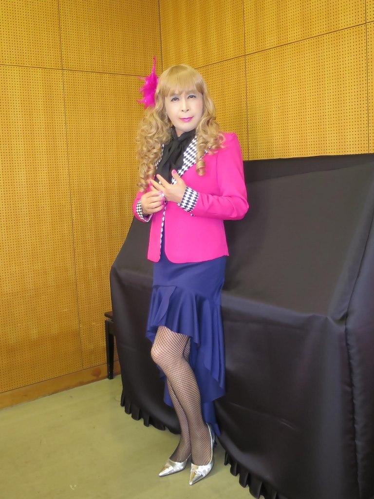 ピンク舞台用ジャケット控室(1)