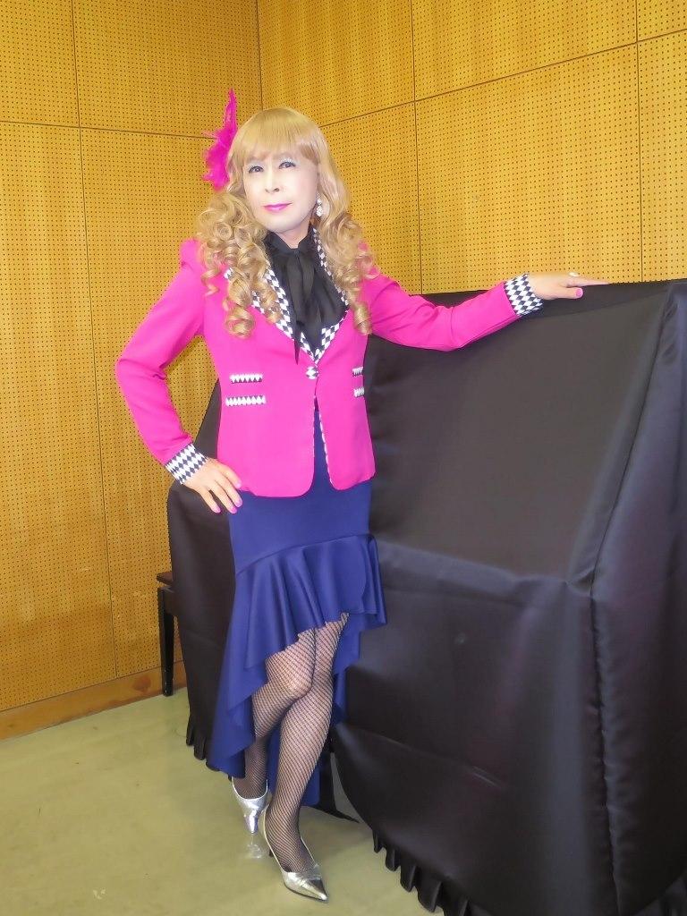 ピンク舞台用ジャケット控室(2)