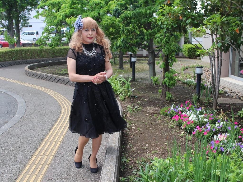 黒ショートドレス会場入口(5)