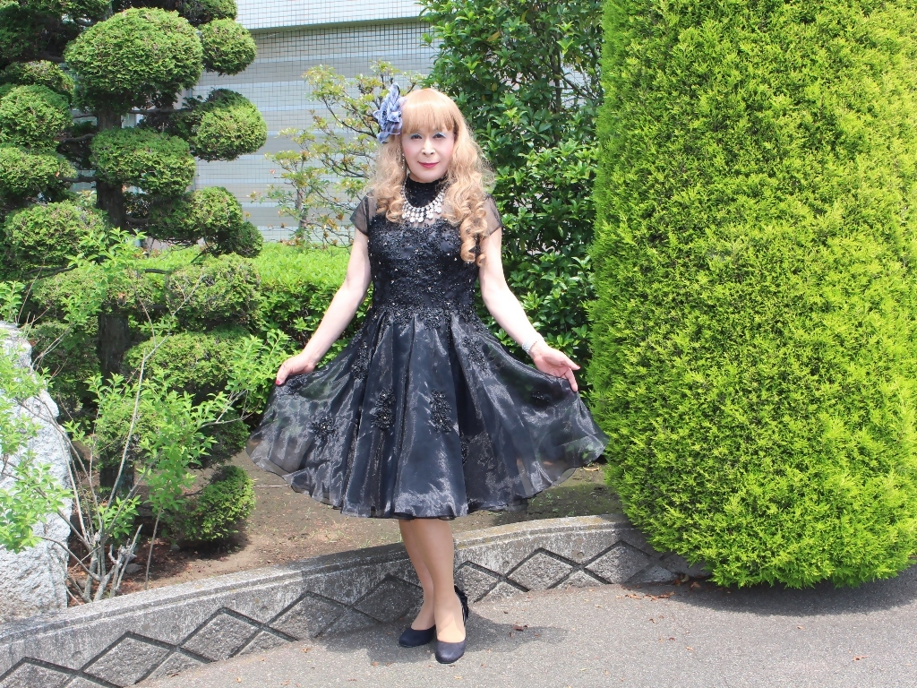 黒ショートドレス会場入口(2)