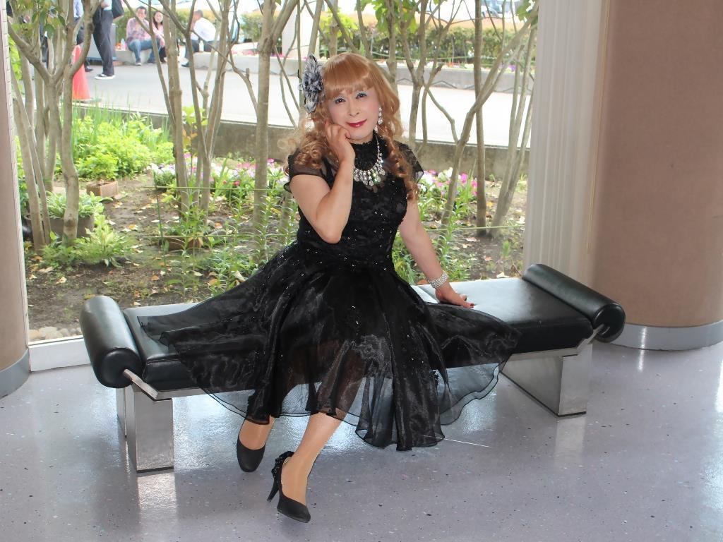 黒ショートドレス会場入口(8)