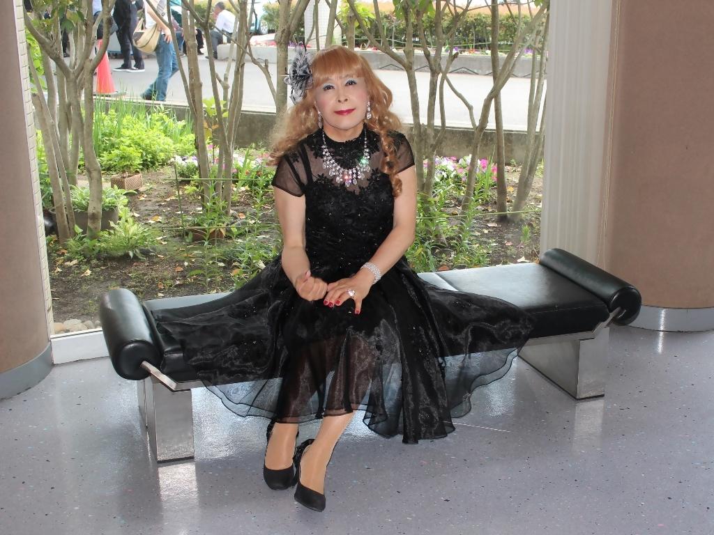 黒ショートドレス会場入口(7)
