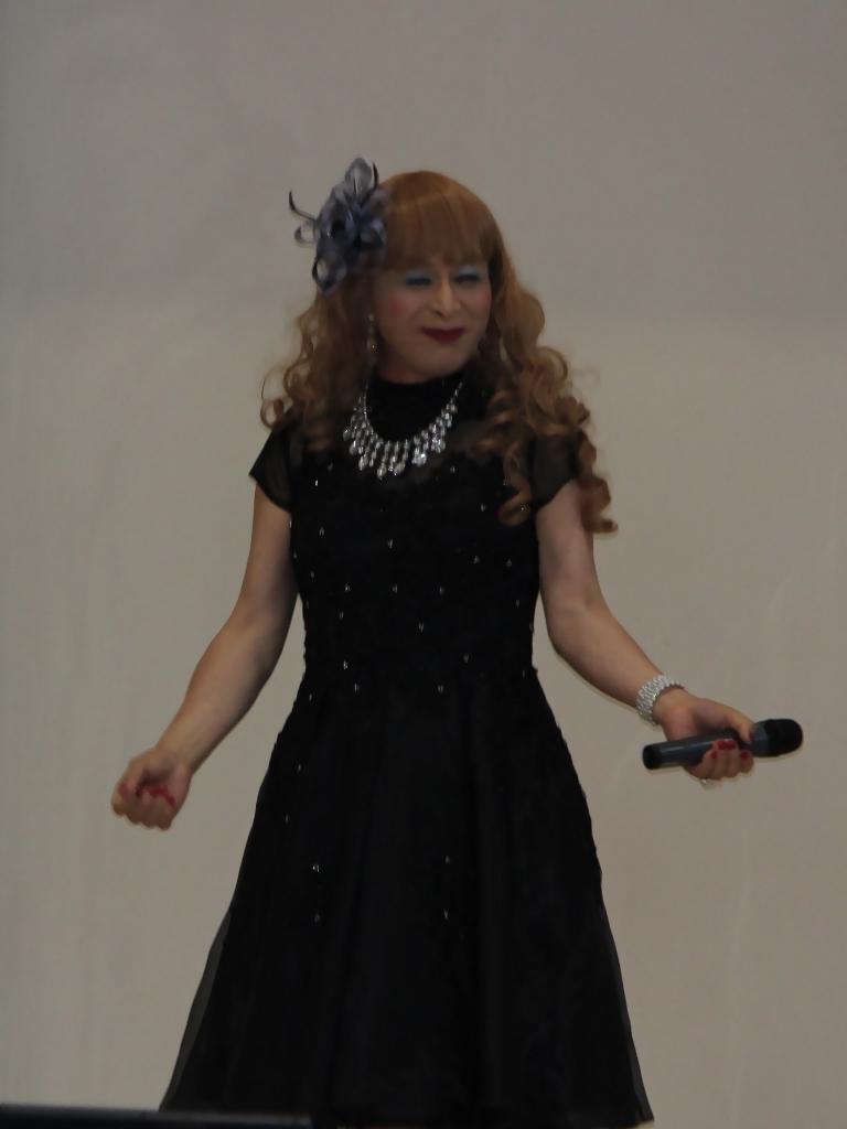 黒ショートドレス舞台(3)