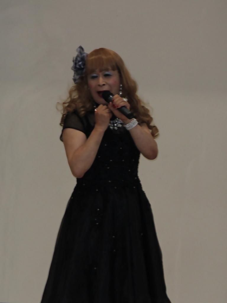 黒ショートドレス舞台(4)