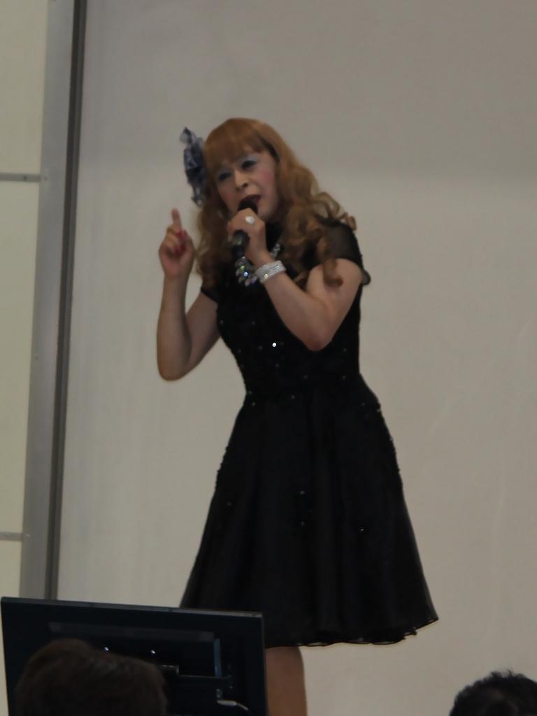 黒ショートドレス舞台(5)