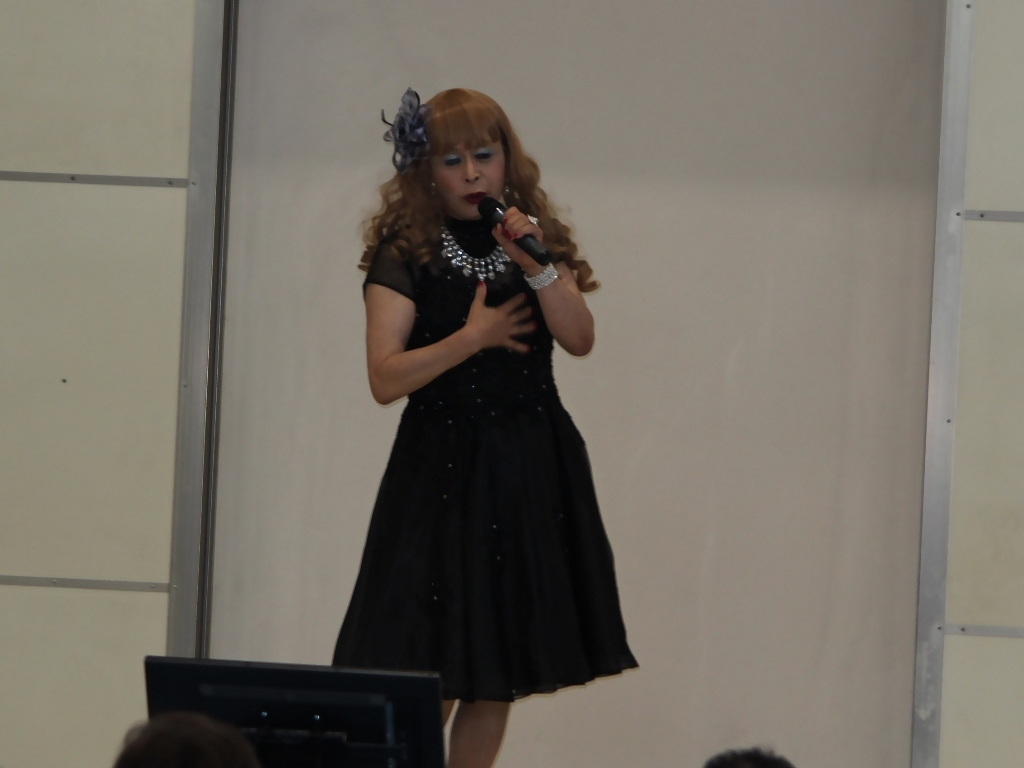 黒ショートドレス舞台(10)