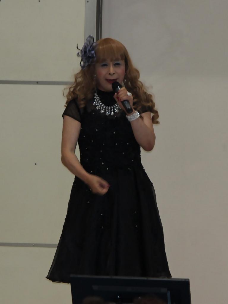 黒ショートドレス舞台(1)