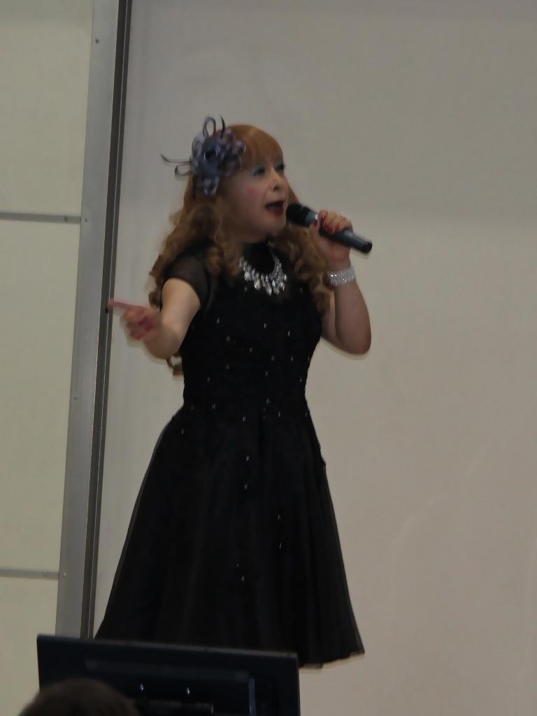 黒ショートドレス舞台(6)