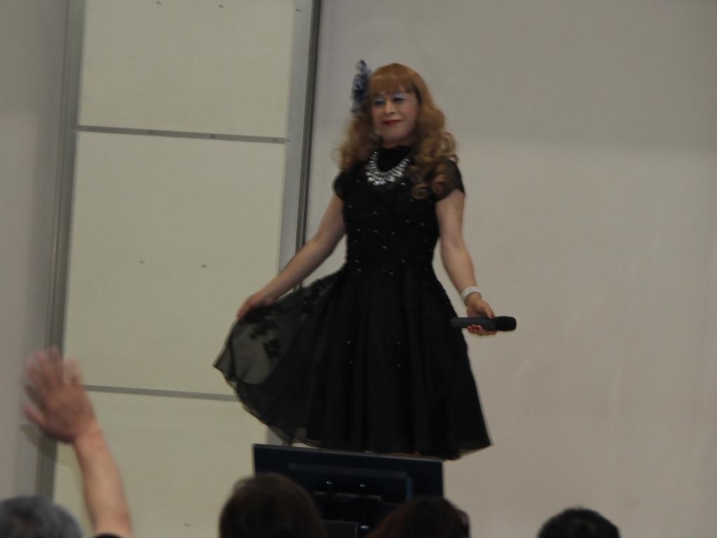 黒ショートドレス舞台(7)
