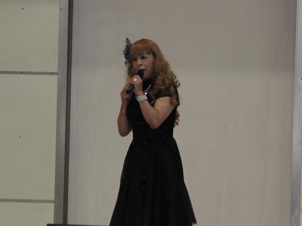 黒ショートドレス舞台(8)
