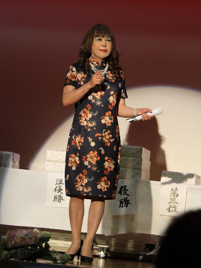 黒チャイナ服舞台(1)