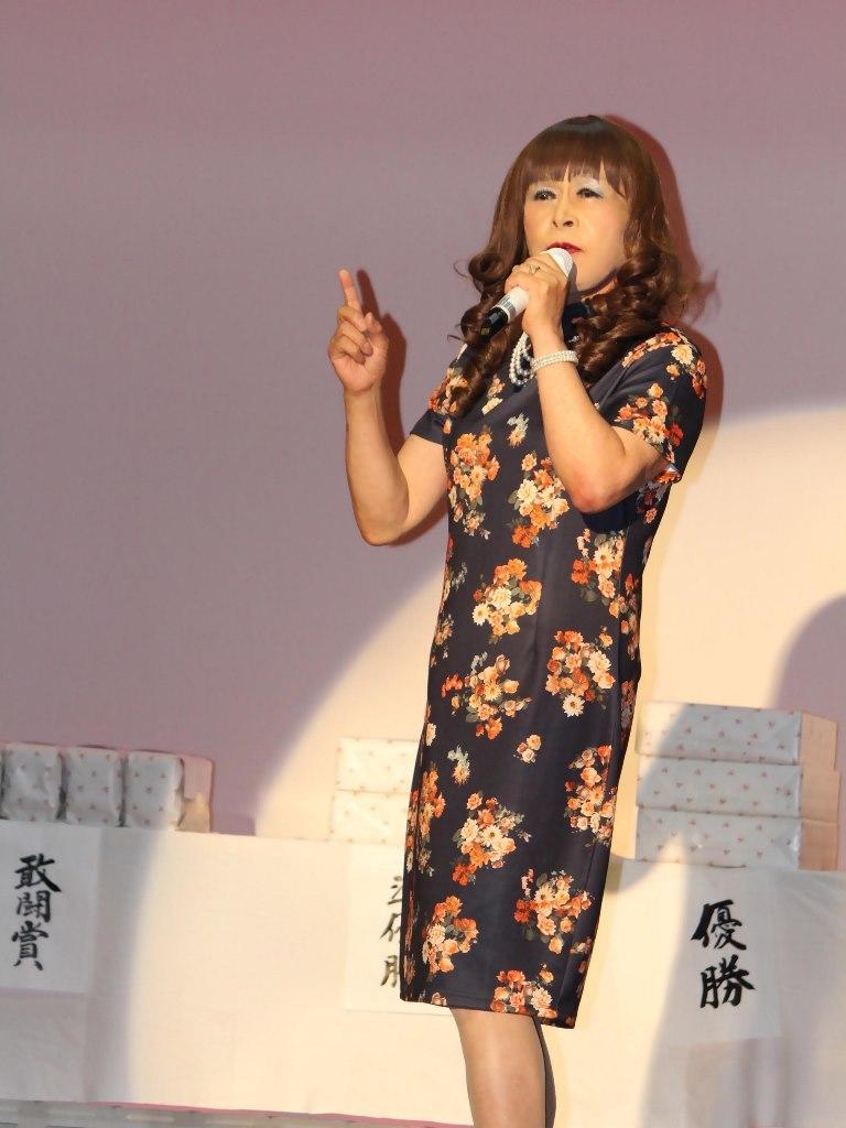 黒チャイナ服舞台(4)