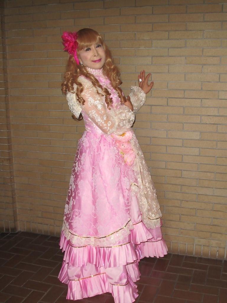 ピンククラシックドレスロビー(4)