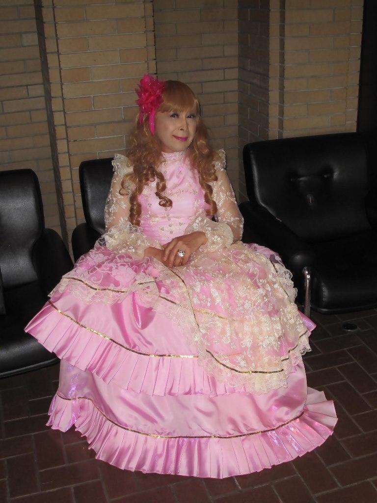 ピンククラシックドレスロビー(6)