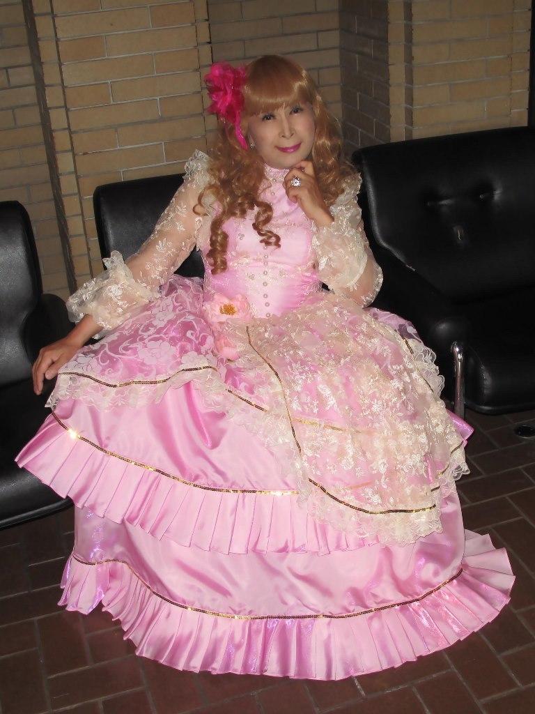 ピンククラシックドレスロビー(7)