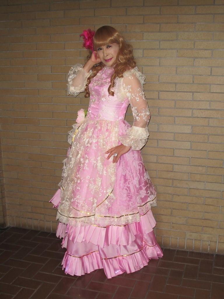 ピンククラシックドレスロビー(5)