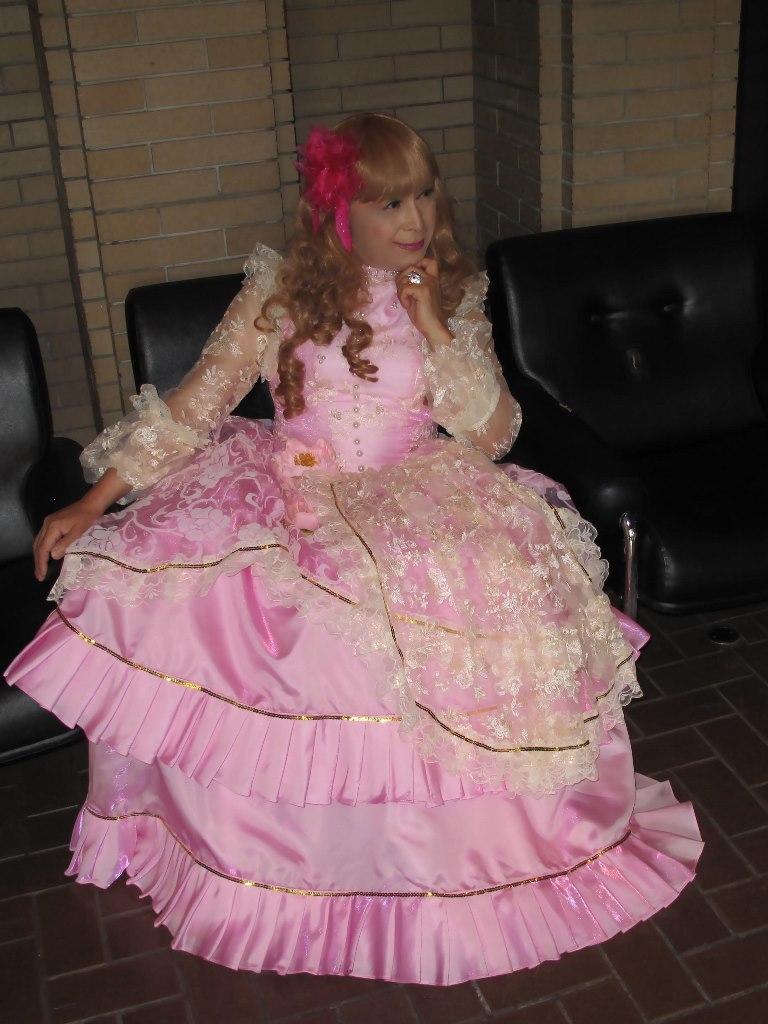 ピンククラシックドレスロビー(8)