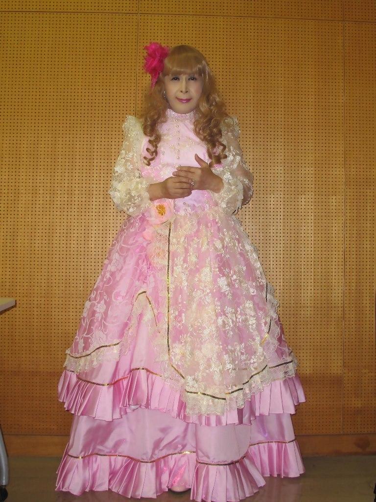 ピンククラシックドレス控室(1)