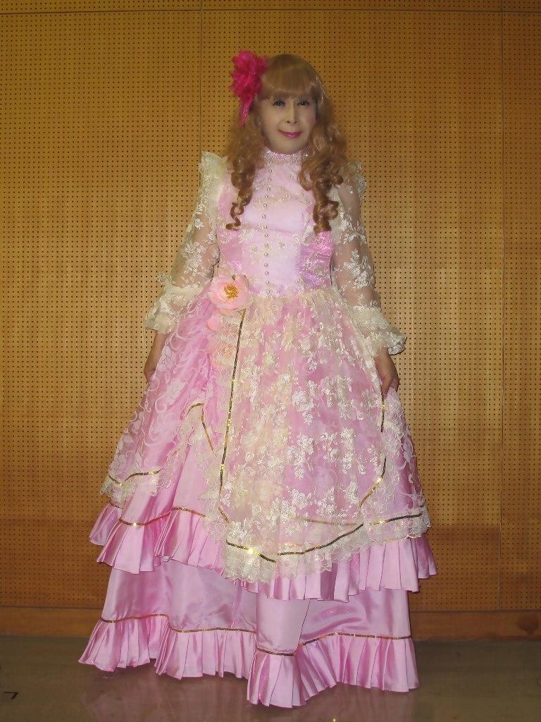 ピンククラシックドレス控室(5)