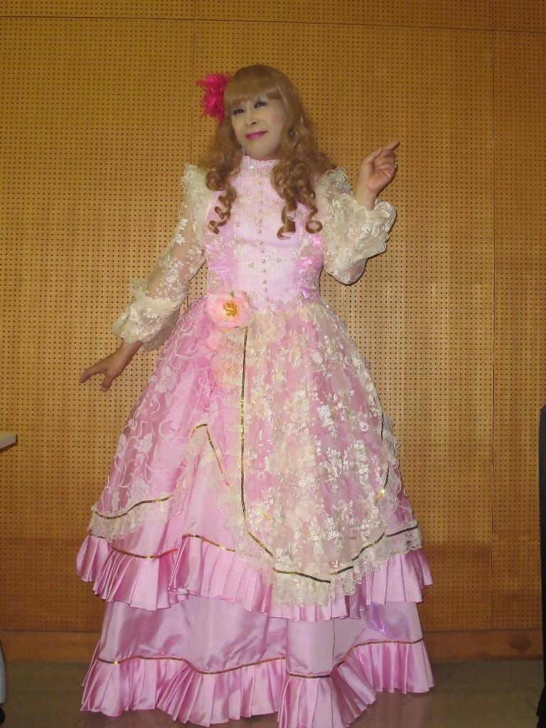 ピンククラシックドレス控室(2)