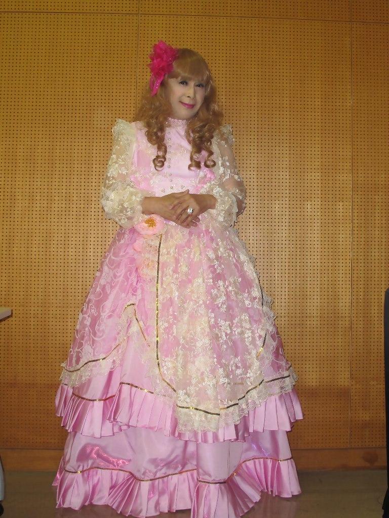 ピンククラシックドレス控室(3)
