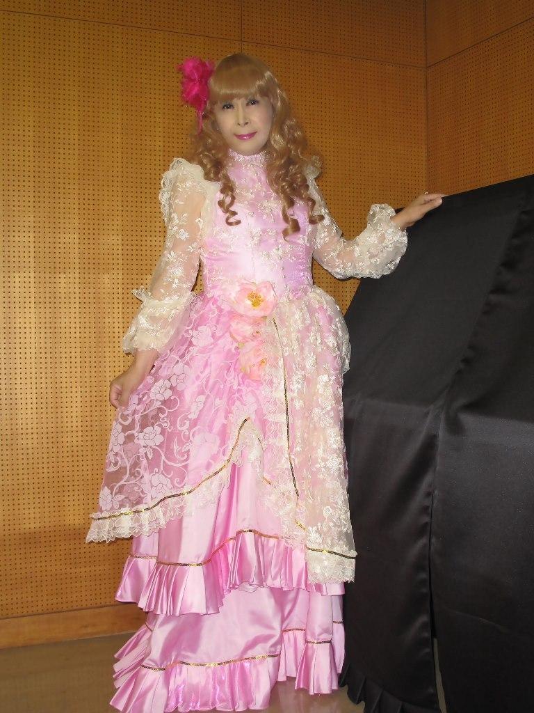 ピンククラシックドレス控室(8)