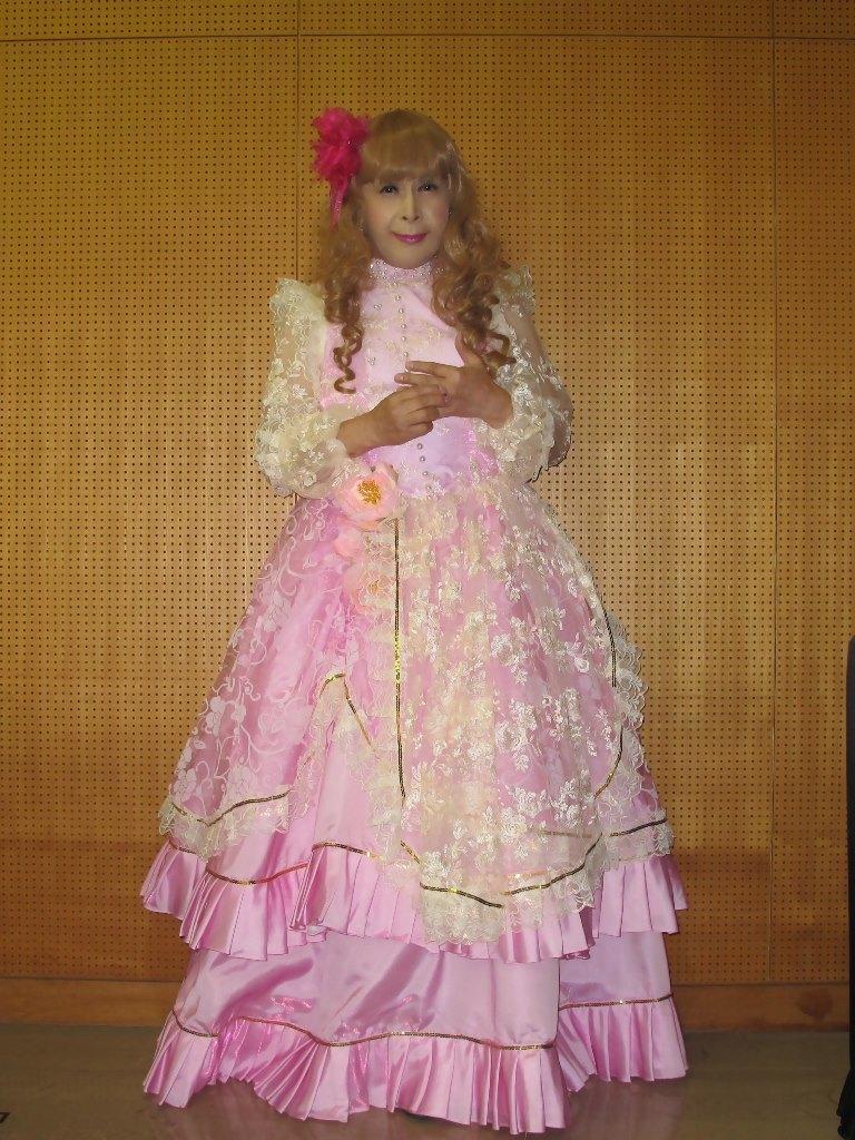 ピンククラシックドレス控室(4)