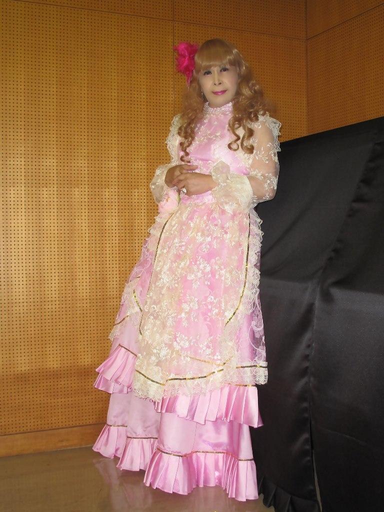 ピンククラシックドレス控室(6)
