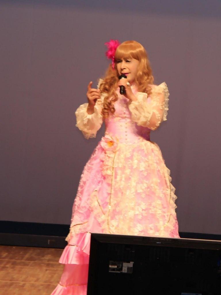 ピンククラシックドレス舞台(2)