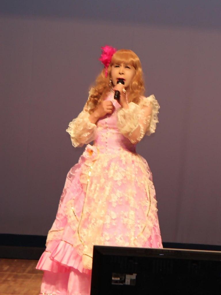 ピンククラシックドレス舞台(3)