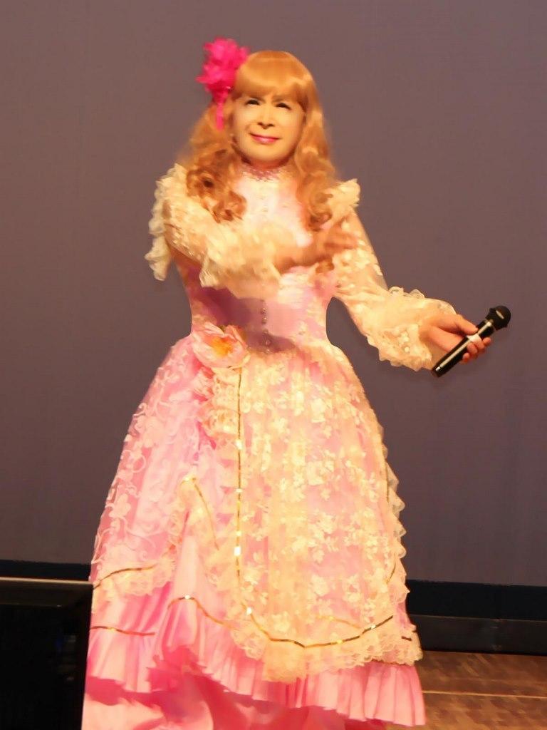 ピンククラシックドレス舞台(4)