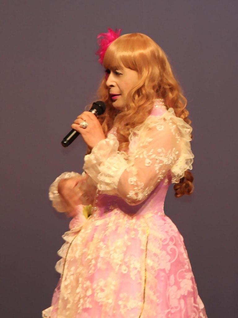 ピンククラシックドレス舞台(5)