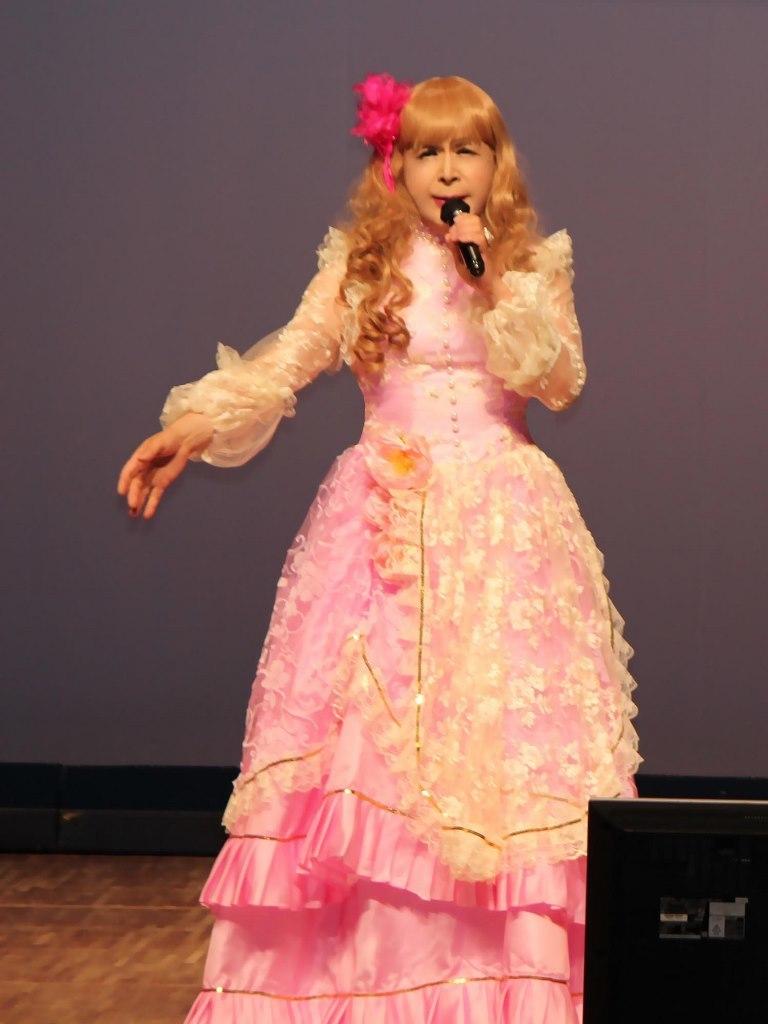 ピンククラシックドレス舞台(6)