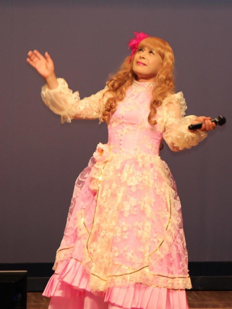 ピンククラシックドレス舞台(7)